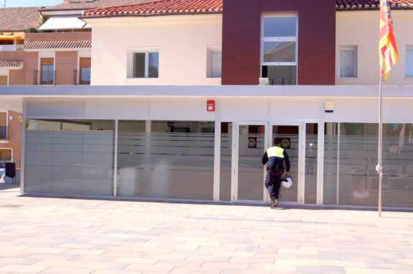 La Policía Local de Ibi detiene al presunto autor de una estafa bancaria