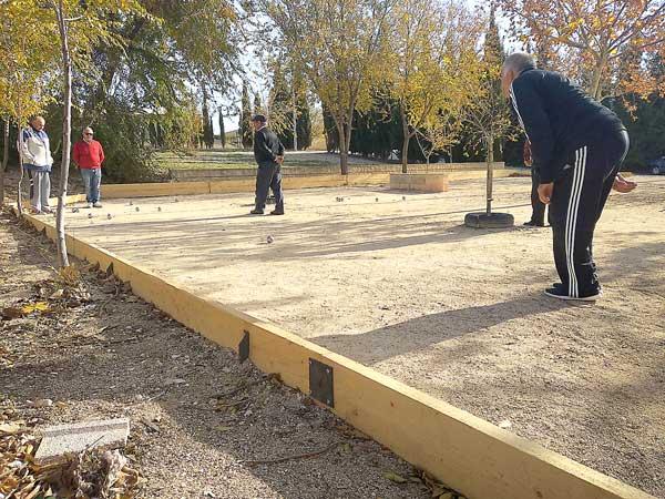 Mejoras en las pistas de petanca ubicadas en el barrio de La Dulzura de Ibi