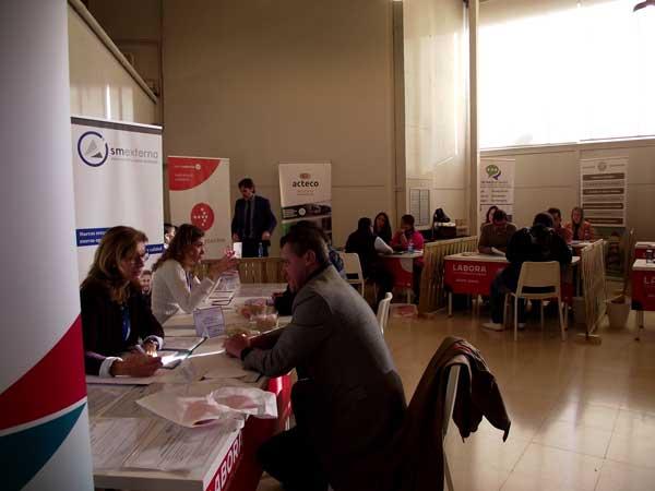 Más de 400 personas acuden al Foro Labora, con una oferta de 50 puestos de trabajo