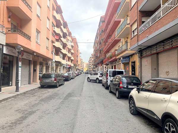Març deixa 523 aturats més a la comarca de la Foia