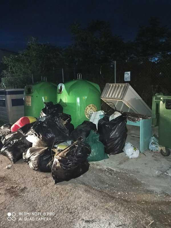 L'Ajuntament de Tibi fa una crida al civisme per a mantindre net el poble