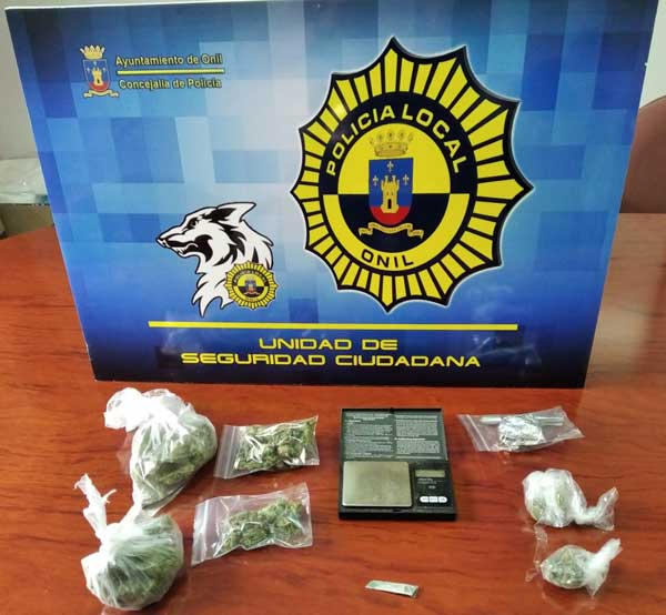 La Policia d'Onil confisca diverses quantitats de droga i deté tres persones