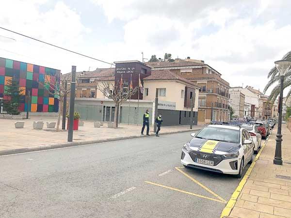 La Policía de Ibi detiene a un conductor ebrio tras una larga persecución