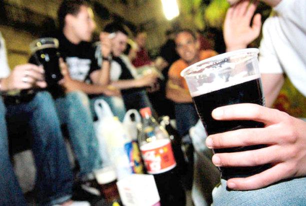 Once adolescentes se enfrentan a una multa de 30.000 euros por una fiesta en una caseta