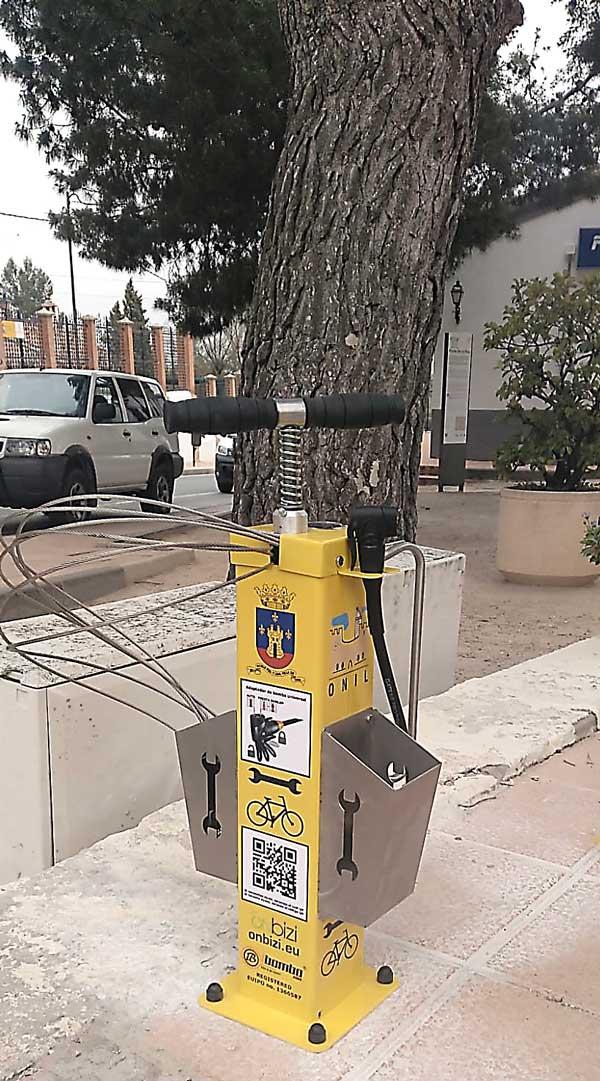 El Ayuntamiento de Onil instala estaciones de autoservicio de bicis en la vía pública