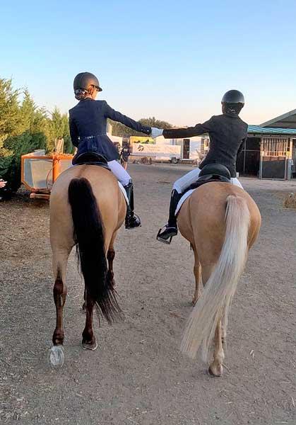Teresa Monllor y Carla Paredes  brillan en el Campeonato de España de Menores 2021 de hípica
