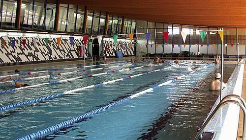Decoraci n de la casa externa piscina climatizada ibi for Piscina municipal alicante