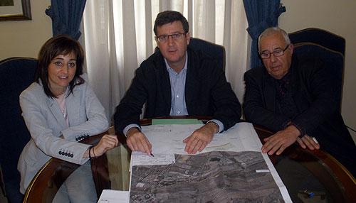 El Ayuntamiento y la Cooperativa Agrícola de Ibi buscan soluciones para que entre en servicio la gasolinera