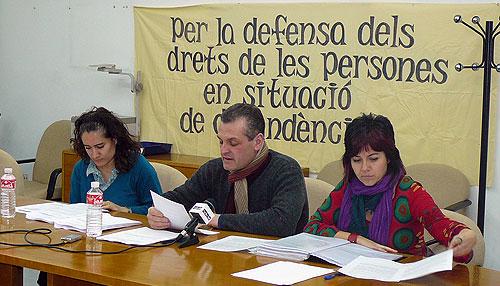 La plataforma en defensa de las personas con dependencia denuncia el escaso cumplimiento de la ley